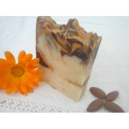 Handmade eco Soap L'Amandier with Sweet Almond Oil and Calendula Flowers- Savonnerie Aubergine